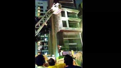 Mumbai: One dead in blaze on sixth floor of Khar building
